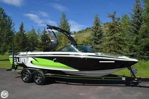 Used Centurion Enzo SV 233 Ski and Wakeboard Boat For Sale