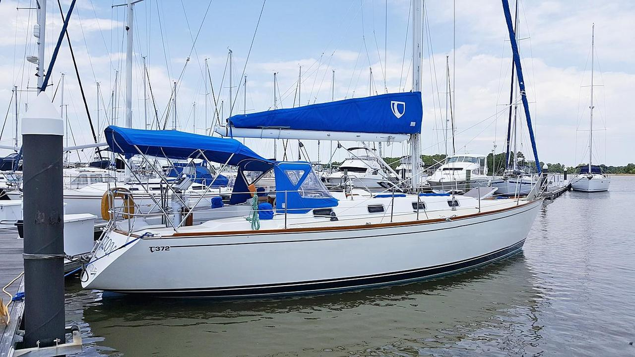 1992 Used Tartan 372 Cruiser Sailboat For Sale - $89,900 - Rock Hall