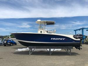 Used Trophy Pro 2503 CC Center Console Fishing Boat For Sale