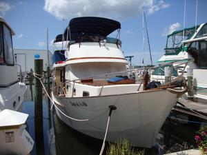 Used Oceania 36 Motor Yacht For Sale