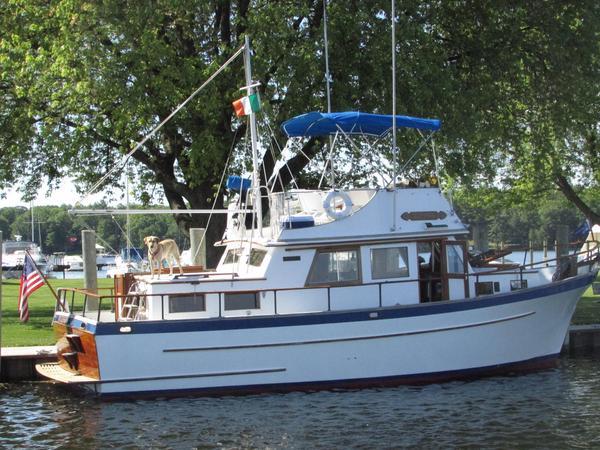 Used Lindmark 34 Gloucesterman Trawler Boat For Sale