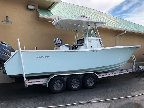 Used Regulator 29 Forward Seating Saltwater Fishing Boat For Sale