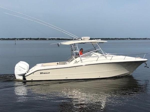 Used Triton 301 XD Saltwater Fishing Boat For Sale