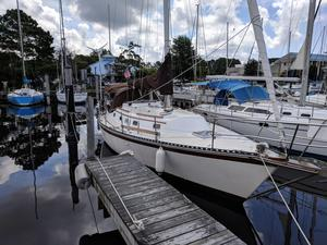 Used Caliber 33 Cruiser Sailboat For Sale