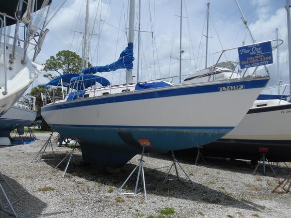 Used Endeavour 32 Masthead Sloop Antique and Classic Boat For Sale