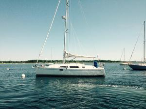 Used Hanse 320 Cruiser Sailboat For Sale