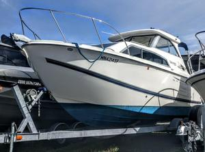 Used Bayliner Discovery 246 Cruiser Boat For Sale
