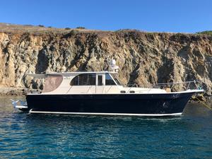 Used Mainship Pilot 43 Express Cruiser Boat For Sale