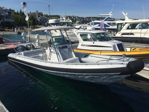 Used Protector 30 Center Console Center Console Fishing Boat For Sale