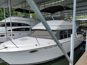 Used Carver 320 Voyager Motor Yacht For Sale