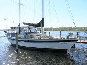 Used Stamas 44 Cruiser Sailboat For Sale