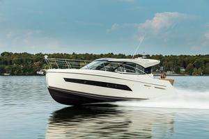 New Carver C34 Coupe Motor Yacht For Sale