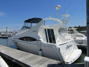Used Carver 350 Mariner Motor Yacht For Sale