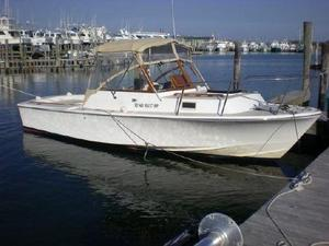 Used Hunt Yachts Surfhunter 25 Cuddy Cabin Boat For Sale