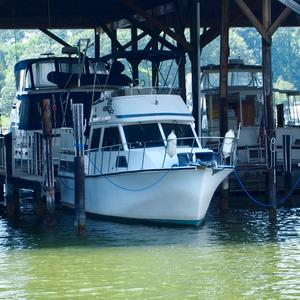 Used Senator 32 DC Trawler Boat For Sale
