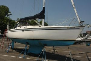 Used Hunter 33.5 Sloop Sailboat For Sale
