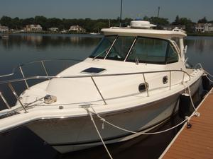 Used Pursuit 315 Offshore Sports Fishing Boat For Sale