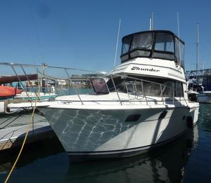 Used Carver 3227 Convertible Cruiser Boat For Sale
