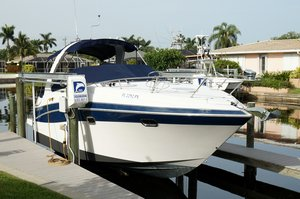 Used Four Winns Vista 288 Express Cruiser Boat For Sale