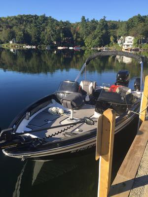 Used Larson Freshwater Fishing Boat For Sale