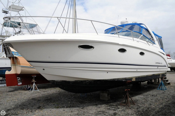 Used Chaparral 320 Signature Express Cruiser Boat For Sale