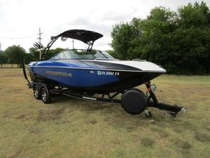 Used Moomba Mojo 2.5Mojo 2.5 Ski and Wakeboard Boat For Sale