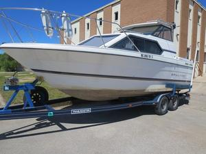 Used Bayliner Classic 2452Classic 2452 Walkaround Fishing Boat For Sale