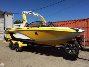 Used Centurion Enzo FS 33 Ski and Wakeboard Boat For Sale
