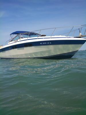 Used Chris-Craft 332 Commander332 Commander Cruiser Boat For Sale