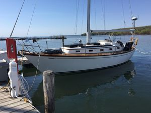 Used Mason 33 Cruiser Sailboat For Sale