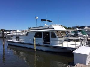 Used Gibson 5500ls House Boat For Sale