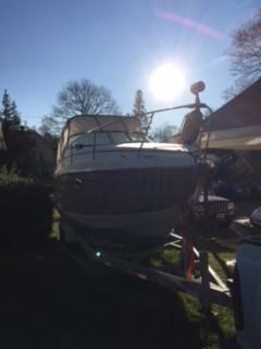 Used Vista 270 Fiesta Vee Express Cruiser Boat For Sale