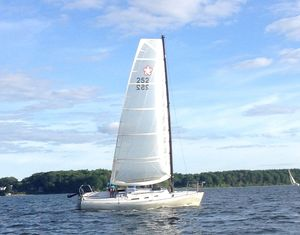 Used Freedom 25 Sloop Sailboat For Sale