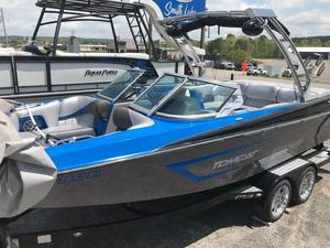 Used Mb Sports F22 TomcatF22 Tomcat Ski and Wakeboard Boat For Sale
