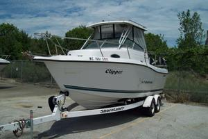 Used Seaswirl 2100 Walkaround O/B Center Console Fishing Boat For Sale