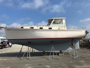 Used Cape Dory 300 Motorsailer Boat For Sale