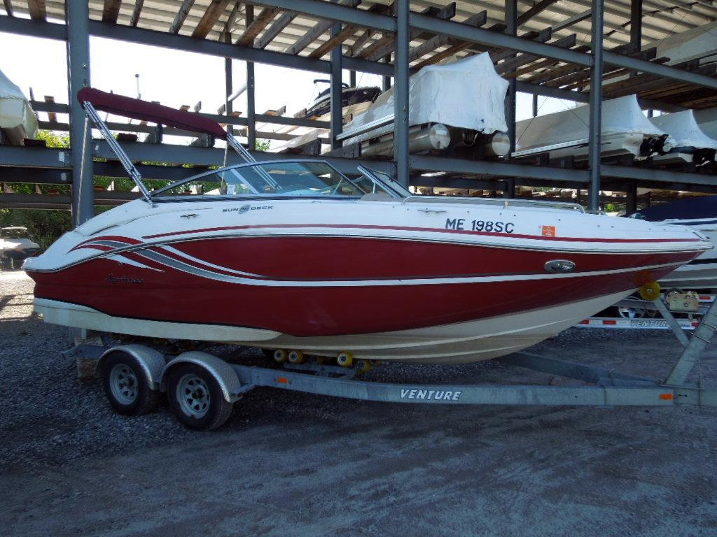 Used Hurricane Sundeck 2200 DC IO Bowrider Boat For Sale