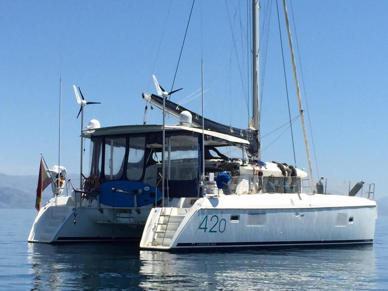 2008 Used Lagoon 420 Catamaran Sailboat For Sale - $390,000 - St