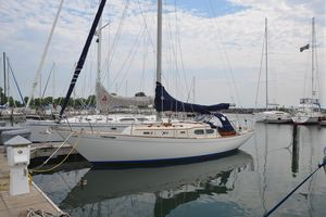 Used Chris-Craft Apache 37 Racer and Cruiser Sailboat For Sale