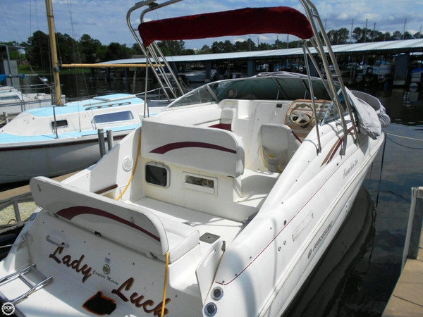 Used Rinker 266 EC Fiesta Vee Express Cruiser Boat For Sale