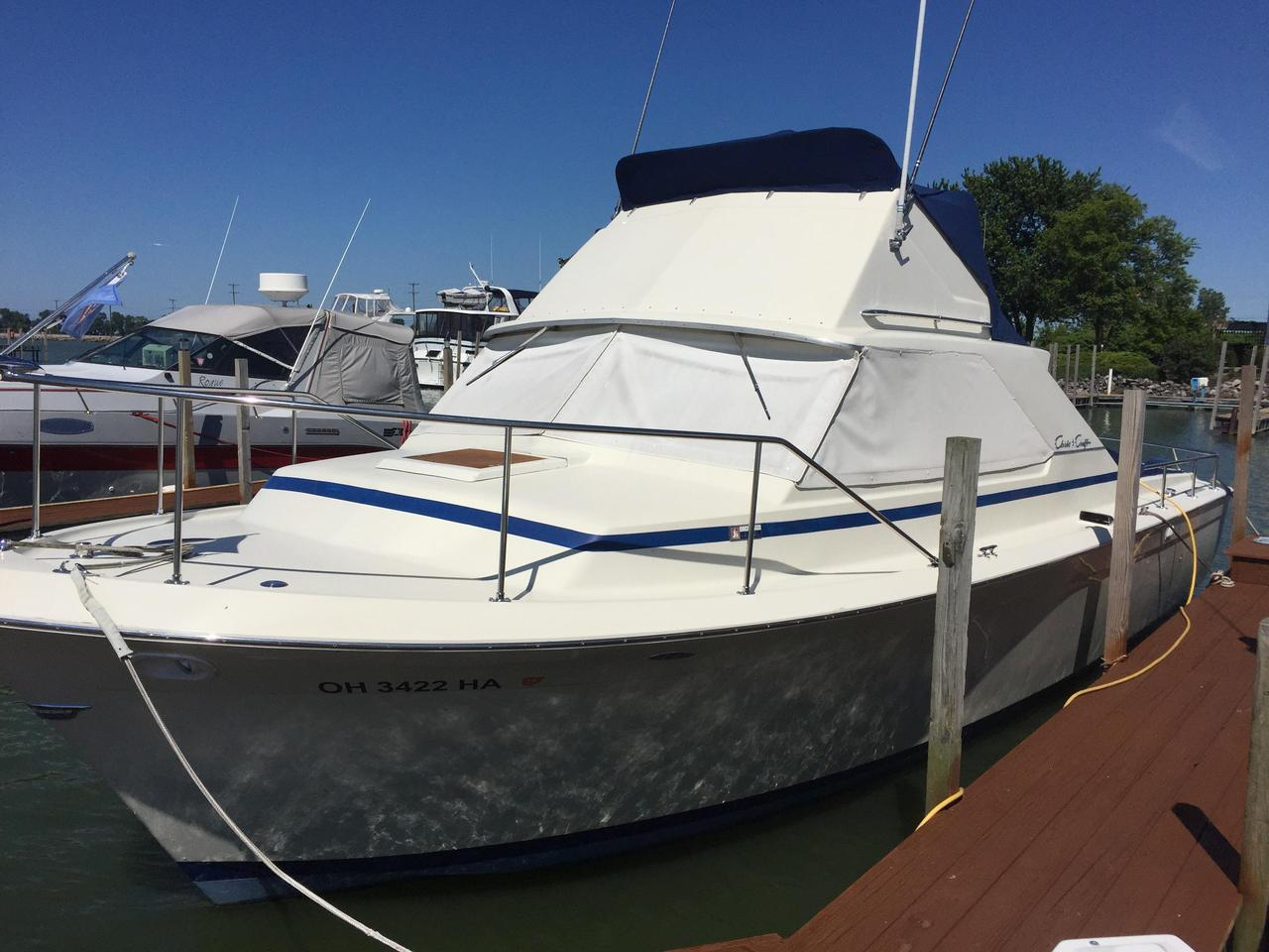 1967 Used Chris-Craft 31 Commander Pilothouse Boat For Sale