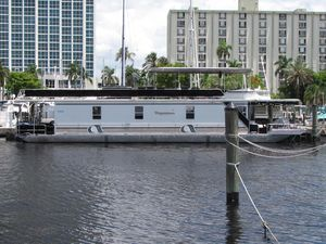 Used Stardust Cruisers 67 Starlight 15x6767 Starlight 15x67 House Boat For Sale