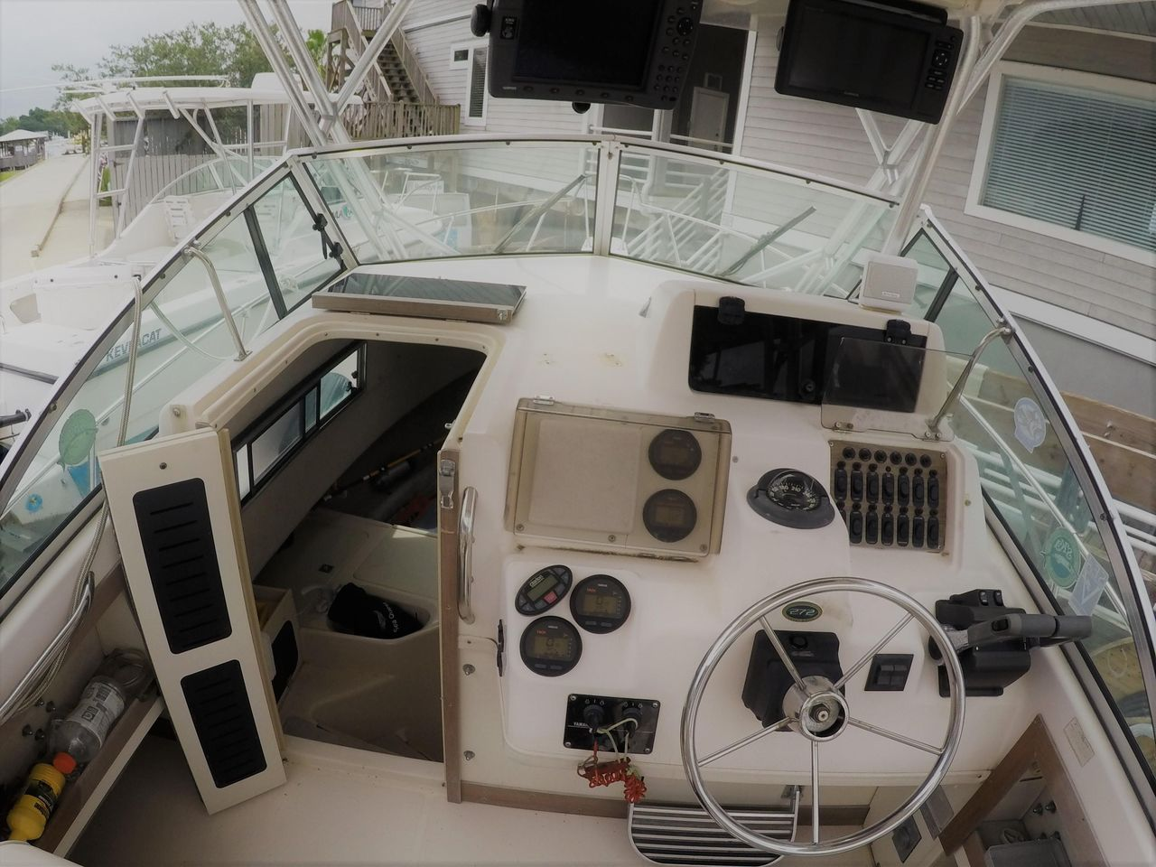 1997 Used Grady-White 272 Sailfish Center Console Fishing Boat For