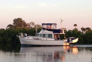 Used Mainship Flybridge Sedan Trawler Boat For Sale