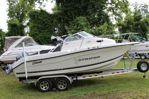 Used Seaswirl Striper 2101 Walk Around Center Console Fishing Boat For Sale