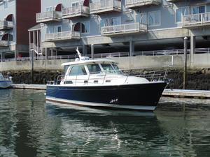 Used Sabre 38 Salon Express Cruiser Boat For Sale