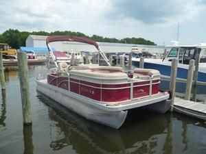 Used Bennington 22 SSL Pontoon Boat For Sale