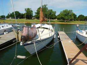 Used Gulf 1981 Pilot House 29 Sloop Sailboat For Sale