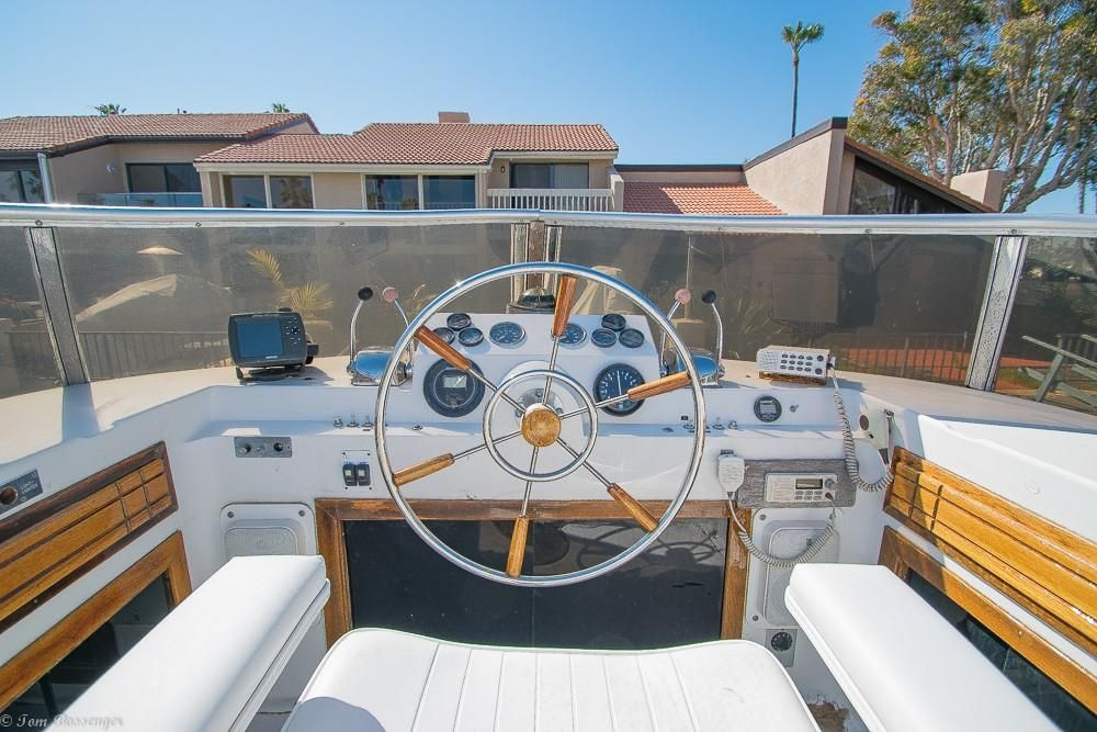 1981 Used Gold Coast Coastal Cruiser Motor Yacht For Sale