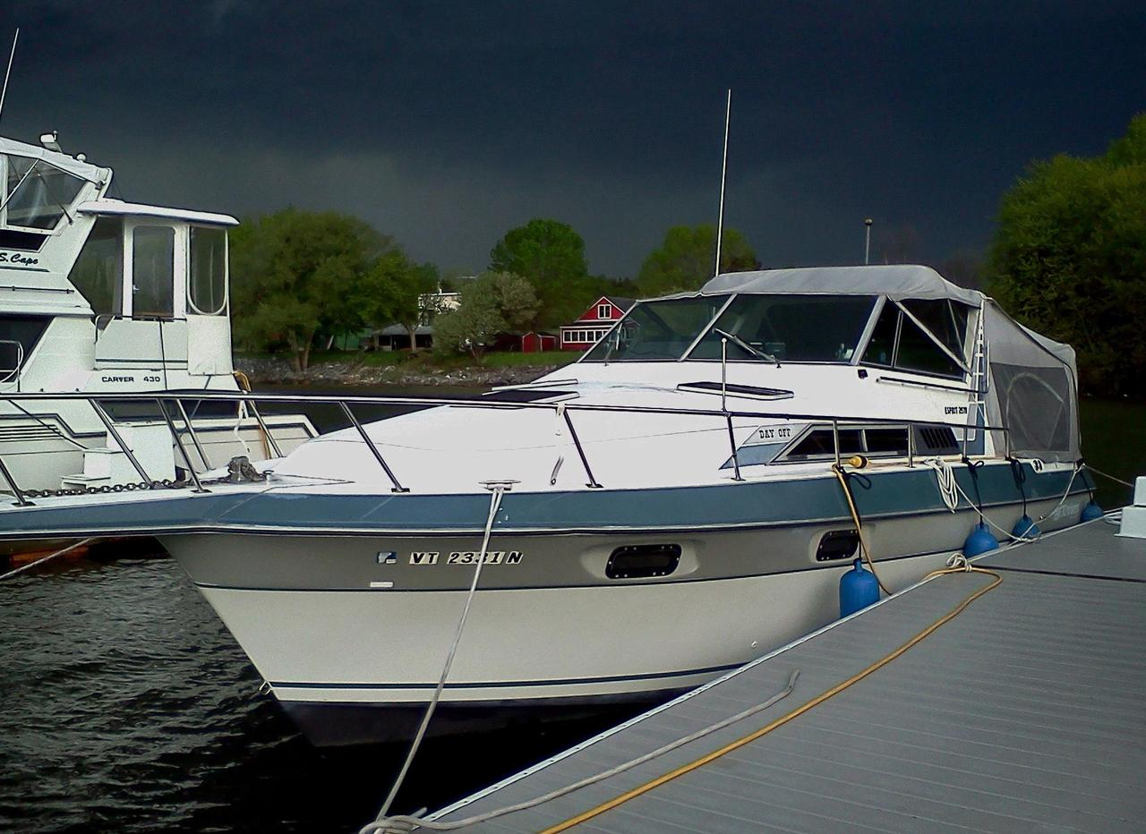 1988 Used Cruisers Yachts Esprit 2970 Cruiser Boat For Sale 4 000
